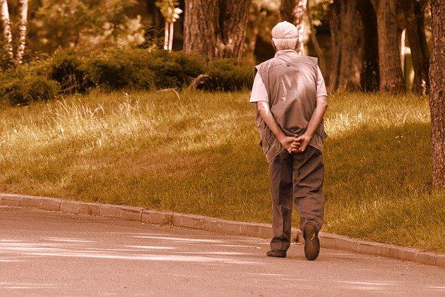 Combien de pas par jour pour un senior